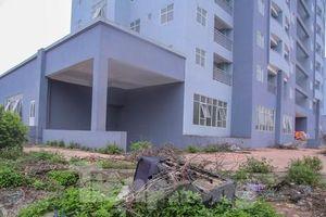Khu chung cư tọa lạc vị trí 'đắc địa' ở Hà Nội thành nơi tập kết rác