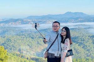Giới trẻ nô nức khám phá thiên đường săn mây tại Đà Lạt