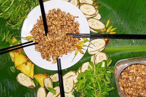 Độc đáo mắm ong U Minh