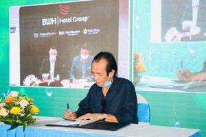 Hoa Tiên Paradise tổ chức lễ ký hợp tác kiểu 'lạ' giữa mùa dịch Covid-19