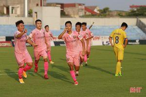 Chevaughn Walsh ghi bàn, Hà Tĩnh dẫn Nam Định 2-1
