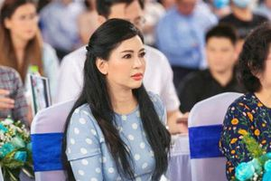 Hình chụp mới nhất hé lộ nhan sắc của mẹ chồng Tăng Thanh Hà ở tuổi ngoài 50
