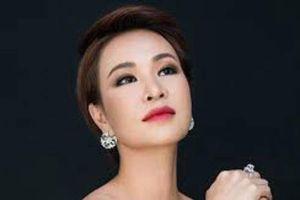 Chỉ bằng một ánh mắt, Nguyễn Hải Phong 'vạch trần' Uyên Linh hát mà sợ quên lời