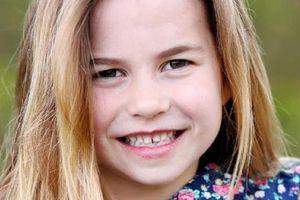Công chúa Anh Charlotte rạng rỡ ngày sinh nhật 6 tuổi