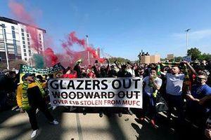 Đại chiến MU vs Liverpool có thể bị hoãn do fan biểu tình