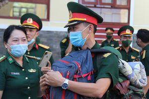 Quảng Nam tăng cường 42 sỹ quan, quân nhân chuyên nghiệp lên biên giới chống dịch