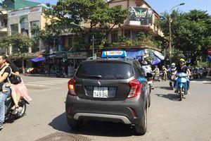 Hà Nội yêu cầu xử lý nghiêm tình trạng taxi ngoại tỉnh 'lách luật'