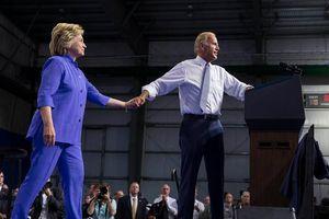 Bà Hillary Clinton 'chấm điểm' 100 ngày đầu nhiệm kỳ ông Biden