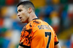 Ronaldo cứu rỗi Juventus