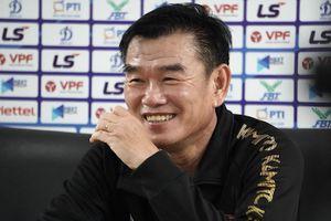 HLV Phan Thanh Hùng có thể thay Huỳnh Đức ở đội Đà Nẵng