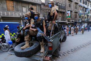 Ca mắc Covid-19 tăng mạnh, Pakistan siết chặt biên giới