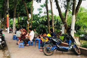Thanh Trì: Nhiều quán ăn đường phố, trà đá vỉa hè không chấp hành quy định phòng chống dịch Covid-19