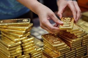 Giá vàng hôm nay 3/5: Bước tiếp chu kỳ giảm giá