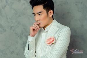 Ca sĩ Quang Hà hoãn liveshow 11 tỷ đồng