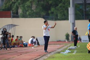 HLV Huy Hoàng nói gì khi SLNA tiếp tục thua?