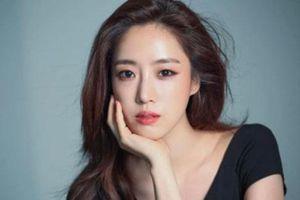 Eun Jung (T-ara) trở thành nghệ sĩ Kpop đầu tiên giành được nút bạc 'YouTube' Trung Quốc
