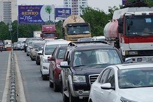 Nhức nhối tình trạng ùn tắc mà không xả trạm thu phí
