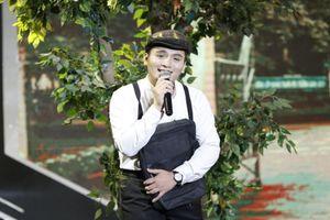 4 bản sao Thái Thanh-Khánh Ly khiến Trấn Thành xúc động