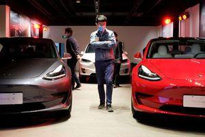 Tesla đang nhượng bộ trước Trung Quốc