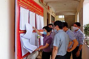 Thị xã Sơn Tây niêm yết rộng rãi danh sách người ứng cử đại biểu Quốc hội và HĐND các cấp