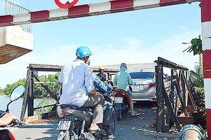 Kiến nghị đẩy nhanh tiến độ xây 4 cầu trên đường Lê Văn Lương