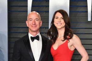 Trước tỷ phú Bill Gates, ông chủ Amazon đã ly hôn và phân chia tài sản thế nào?