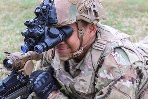 Kính nhìn đêm đặc biệt giúp lính Mỹ thấy mọi thứ rõ như ban ngày