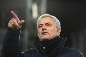 HLV Mourinho ký hợp đồng 3 năm, dẫn dắt AS Roma