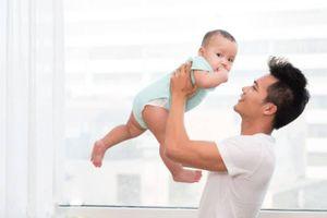 Điều gì xảy ra với cơ thể đàn ông khi làm cha?
