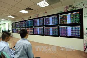 Nhóm cổ phiếu bluechip khởi sắc giúp VN-Index đảo chiều