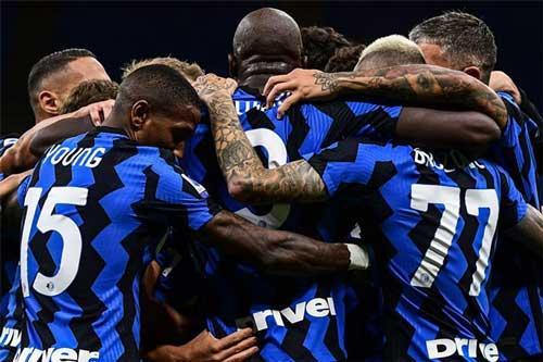Hành trình Inter Milan soán ngôi vô địch Serie A của Juventus