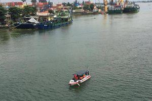 Đi xe máy ra giữa cầu, nam thanh niên nhảy sông Đồng Nai mất tích
