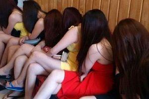 Bắc Giang: Tạm giữ hình sự 'tú bà' nuôi 7 nhân viên để bán dâm ngay trong quán Café
