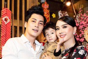 Lâm Khánh Chi đòi xé giấy đăng kí kết hôn vì chồng quá nghiện chơi điện tử