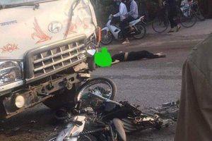 Xe máy va chạm với xe tải, 2 thanh niên tử vong tại chỗ