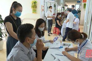 Đông Sơn: 550 người được tiêm vắc - xin phòng COVID-19