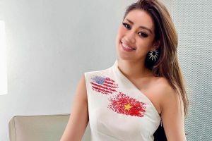Mặc váy in hình quốc kỳ Việt – Mỹ, Khánh Vân gây sốt khi đến Miss Universe