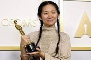Nữ đạo diễn châu Á đầu tiên được trao giải OSCAR
