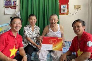 'Mai Vàng nhân ái' đến với nhạc sĩ Tố Hải và NSƯT Thanh Hùng