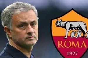 Jose Mourinho tiết lộ về quyết định ngồi vào chiếc ghế nóng tại sân Olimpico của AS Roma