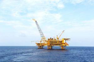 Chứng khoán 5/5: Cổ phiếu Dầu khí đồng loạt tăng mạnh theo giá dầu