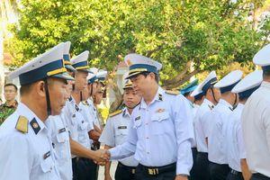 Đoàn công tác số 4 hoàn thành thăm huyện đảo Trường Sa, nhà giàn DK1/8