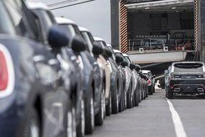 SMMT: Doanh số bán ôtô mới của Anh tăng gấp 30 lần trong tháng 4/2021