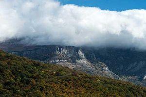 Ngắm khung cảnh mùa thu đẹp như cổ tích ở Crimea