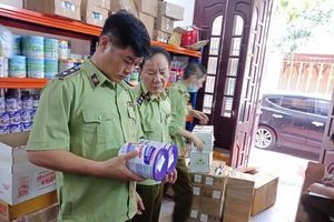 Thái Bình: Tạm giữ hàng trăm hộp sữa bột và mỹ phẩm chưa rõ được nguồn gốc xuất xứ