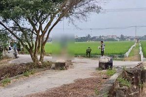 Người đàn ông ở Thái Bình tử vong trong tư thế treo cổ bằng dải khăn tang gần cánh đồng