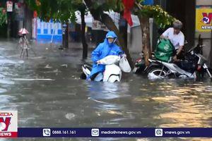 Nam Định: Mưa lớn, nhiều tuyến đường ngập sâu, giao thông hỗn loạn