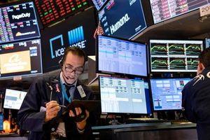 Cổ phiếu công nghệ bị bán tháo, Nasdaq lao dốc