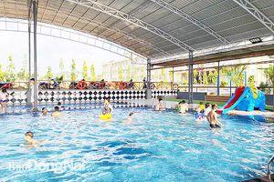 Phụ huynh chủ động cho con học bơi