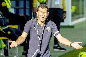 Valencia sa thải HLV Javi Gracia
